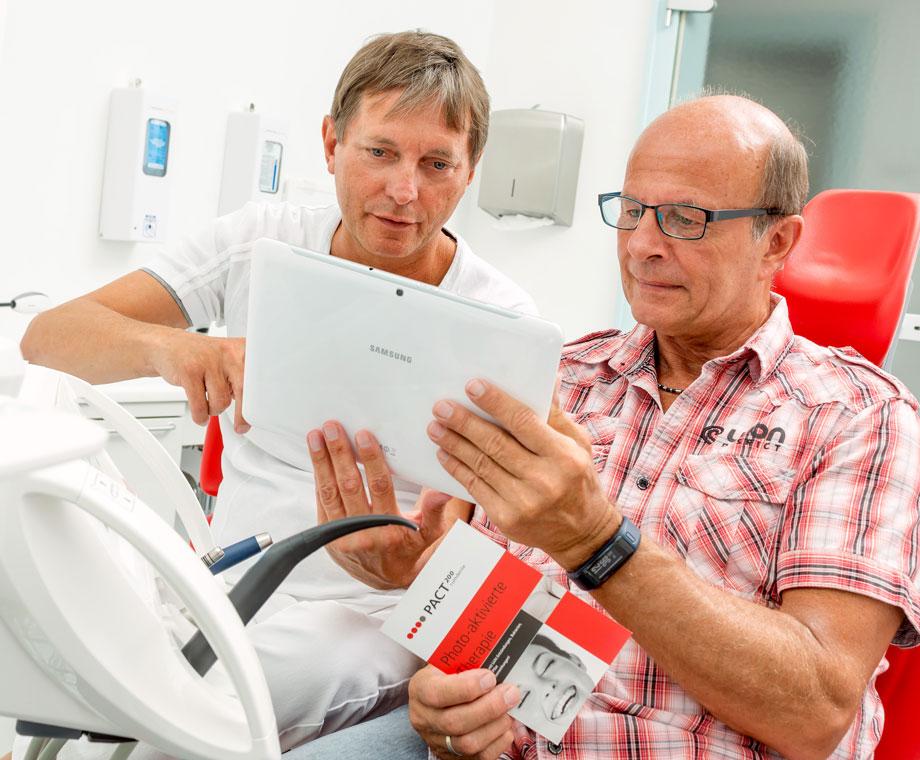 Keimreduktion mit photoaktivierter Therapie (PACT)